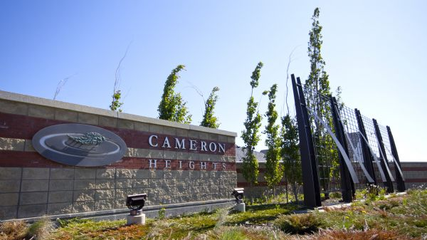 Cameron Heights Entrance & Fence